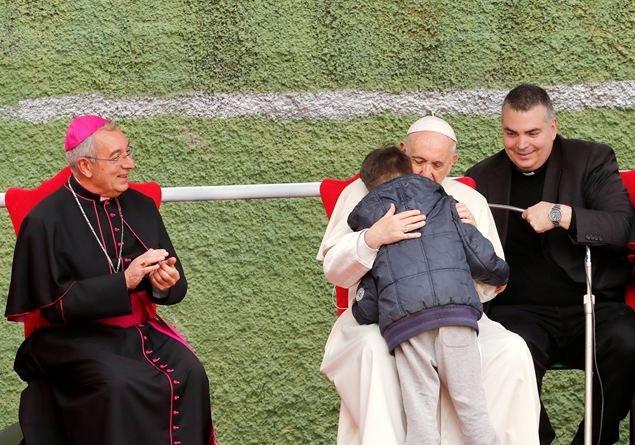 ahogy a pápa férgeit hívják