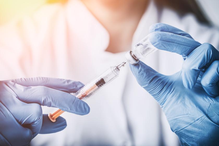 PharmaOnline - HPV-oltással kezelték a laphámsejtes karcinómát